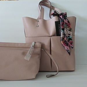 NWT STEVE MADDEN TOTE & POUCH 2 IN 1 HANDBAG